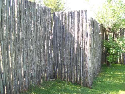 Custom Coyote Fencing - Evans Weaver