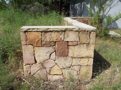 Custom Stone Wall - Evans Weaver